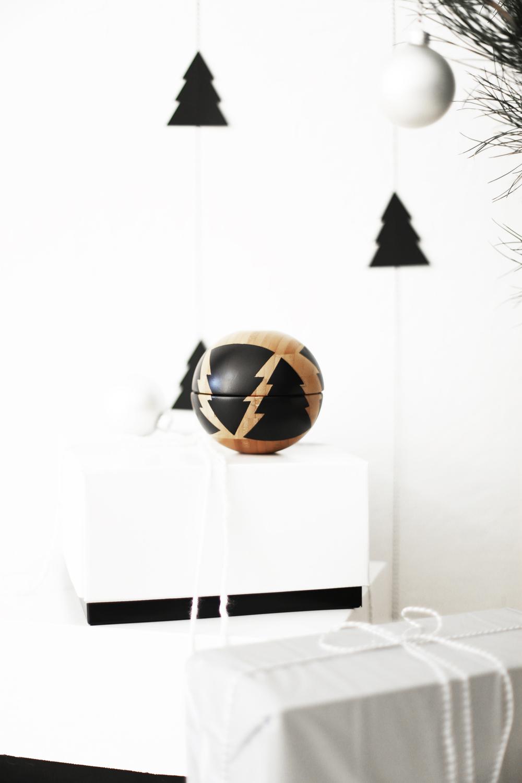 DIY Christmas globe