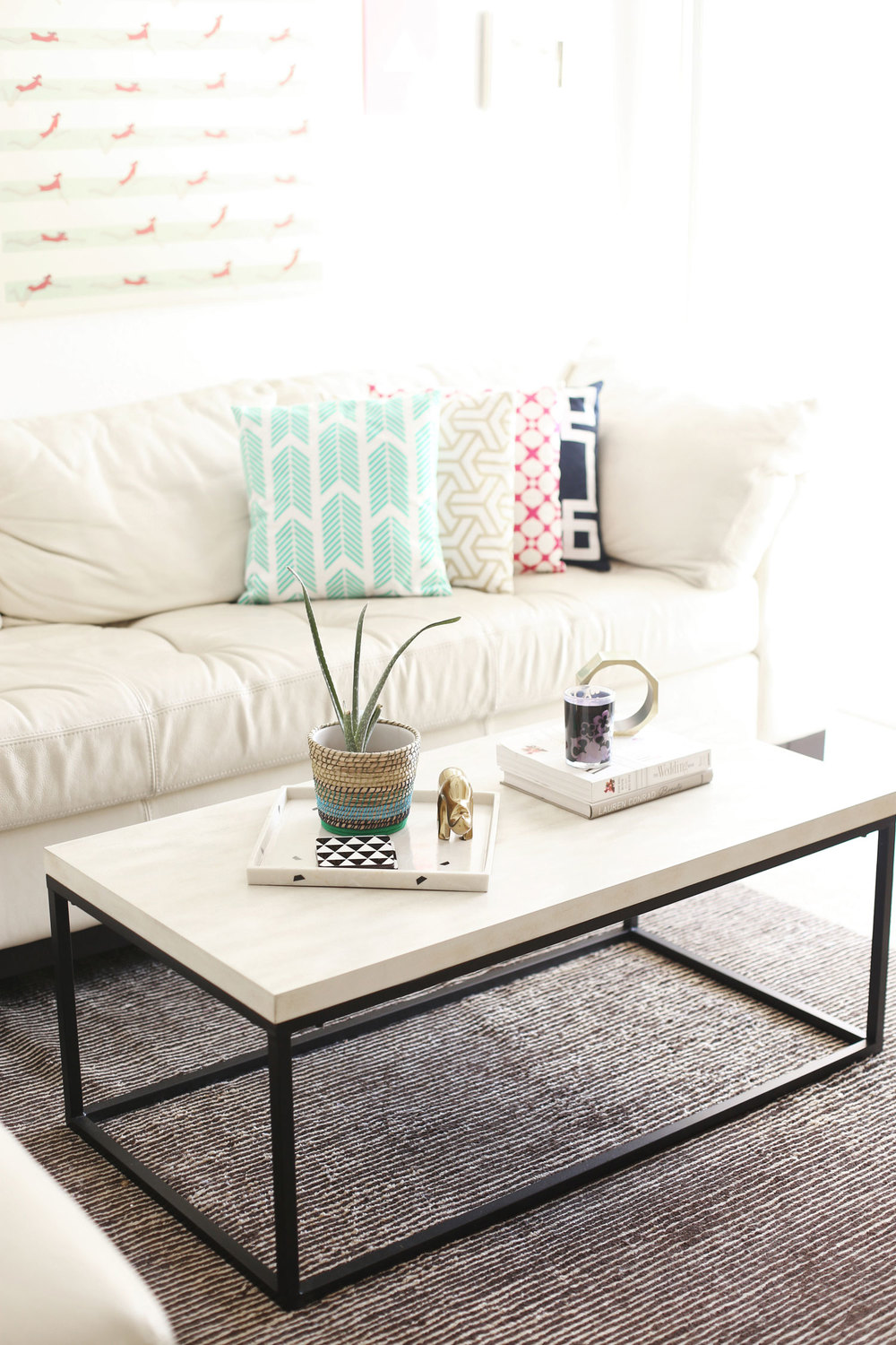 How To Style A Coffee Table Like An Interior Designer