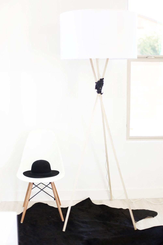 diy this tripod lamp ikea hack style kristi murphy diy blog. Black Bedroom Furniture Sets. Home Design Ideas