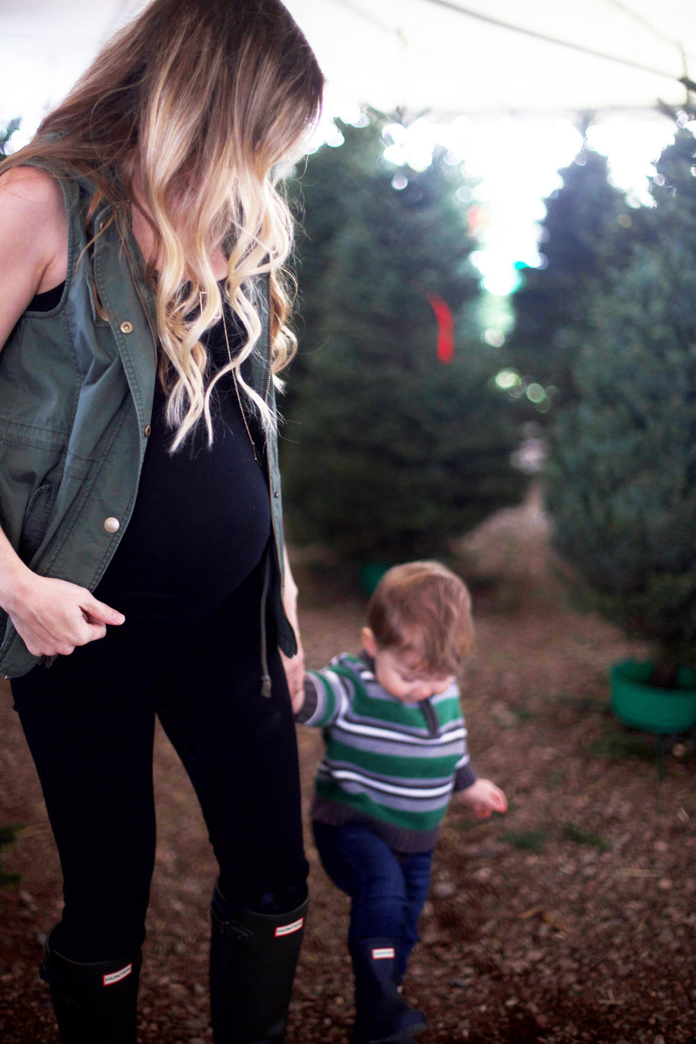 winter maternity photo ideas