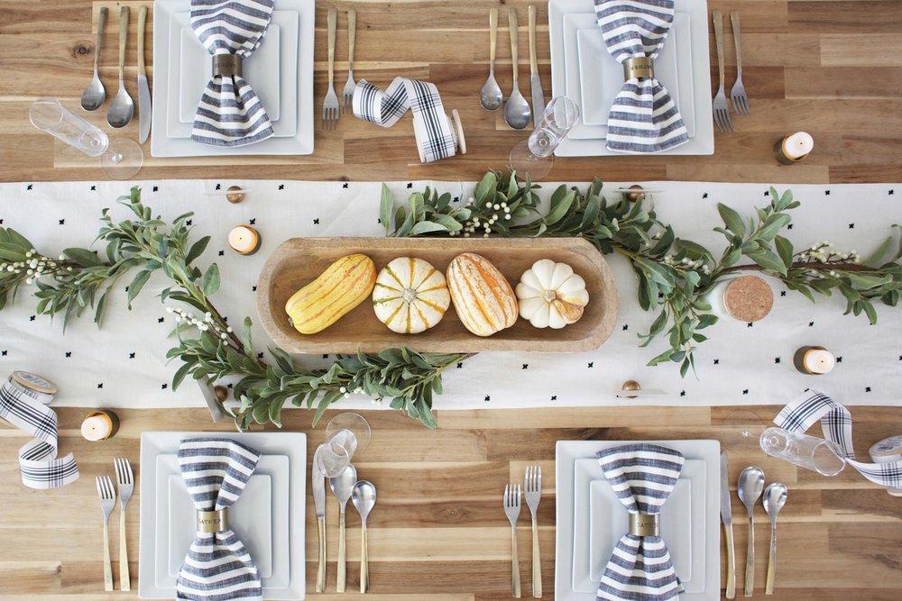 elegant Thanksgiving tablescapes