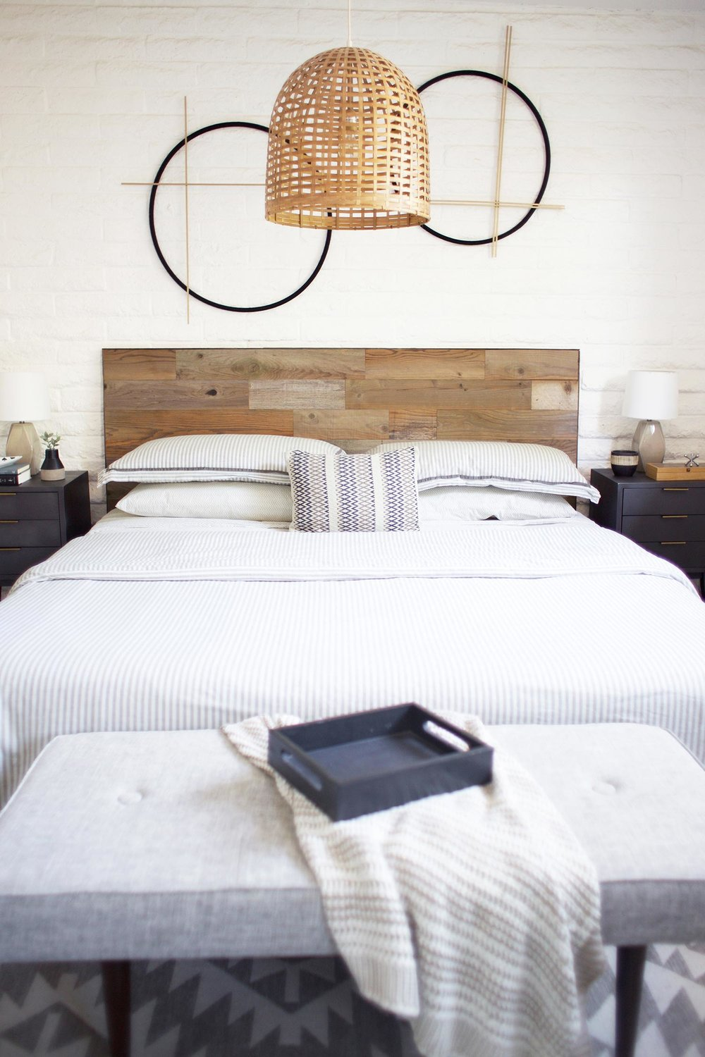 20 Minute Diy Reclaimed Wood Headboard Kristi Murphy Diy Blog