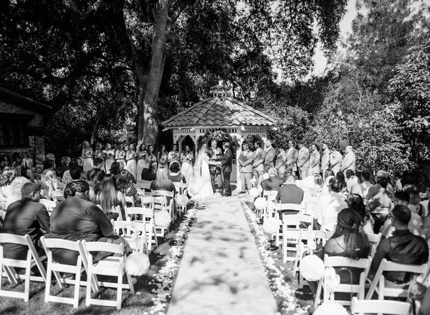 hidden-oaks-retreat-center-wedding_0018.jpg