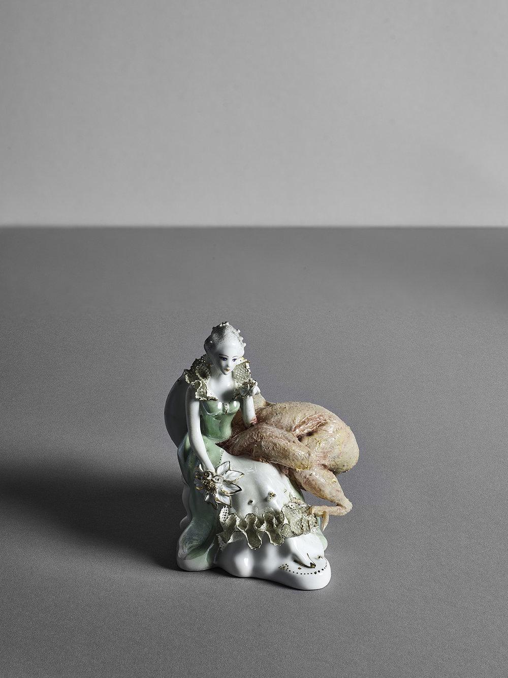 untitled (sittinglady), porcellain, silicone, silicone paint, 15 x 10 x 15 cm,2015