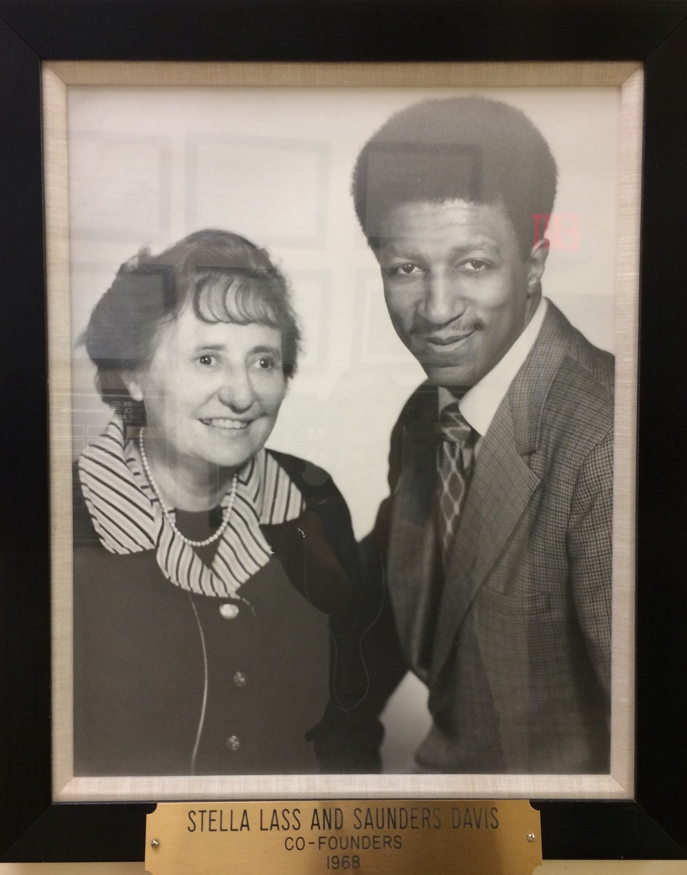 Stella Lass and Saunders Davis are the founders of the Newark School of the Arts in 1968.