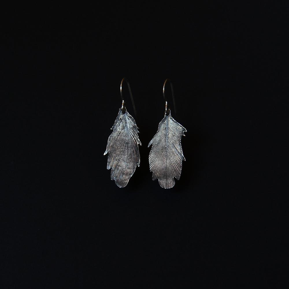 feather-earrings-michelle-hoting-web.jpg