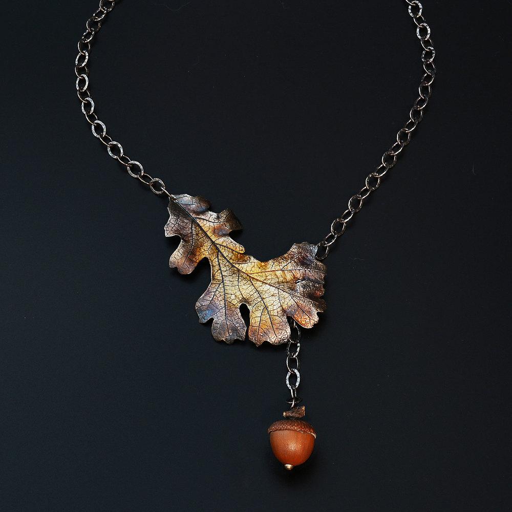 Autumn-oak-necklace-michelle-hoting-4-web.jpg