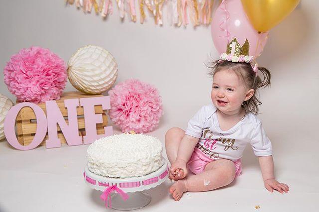 Fiona's #1!! #firstbirthday #cakesmash #birthdaygirl #Wallawallastudios #canon #canonphotography #weddingphotography #engagementphotography #familyphotography #maternityphotography #newbornphotography #portraitphotography #newjersey #nj #jerseyshore #centraljersey #love #art