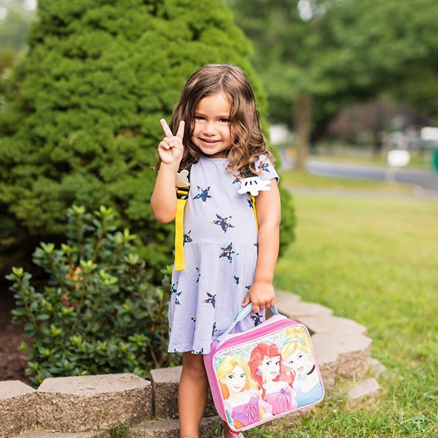Better late than never... my Joss's first day of school pictures. Love this little girl and so proud of her for all she does.  #canon #canonphotography #jerseyshore #love #firstdayofschool #prouddad #growinguptoofast