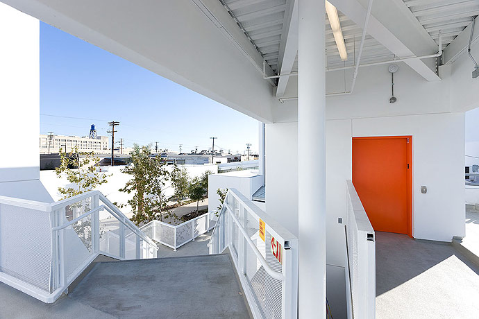 inner city arts: los angeles nonprofit school campus 5