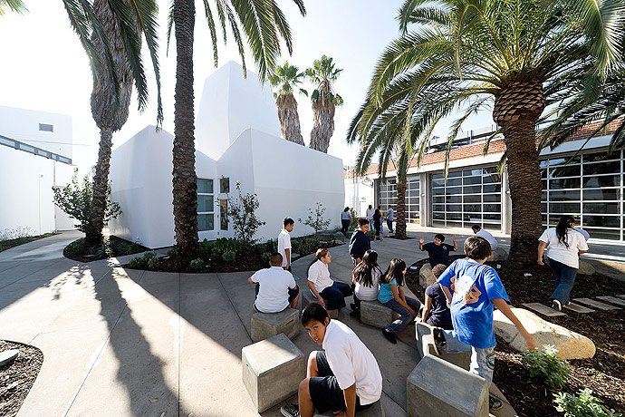 inner city arts: los angeles nonprofit school campus 4