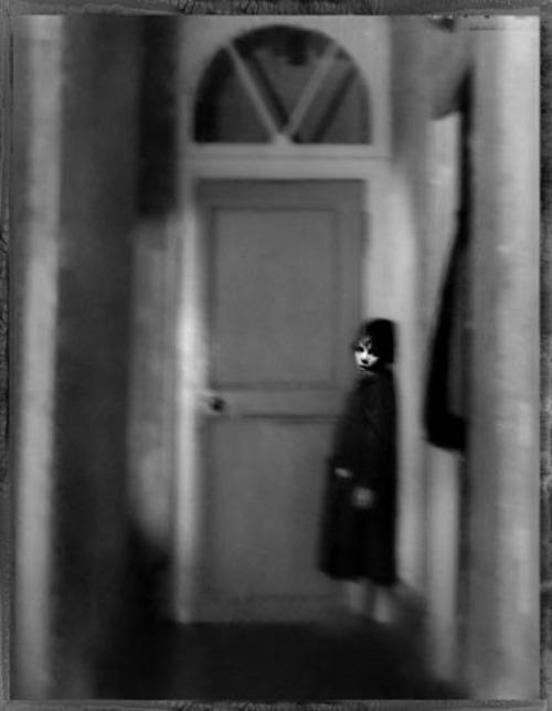 Garance in the Corridor