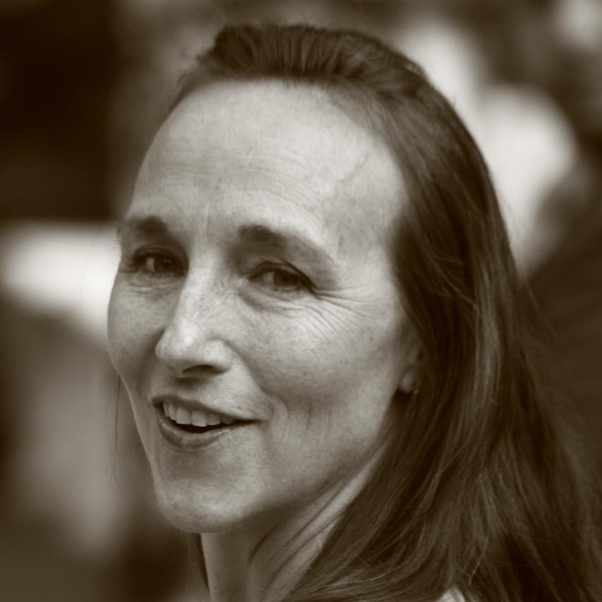 Ellen Portrait_2.jpg