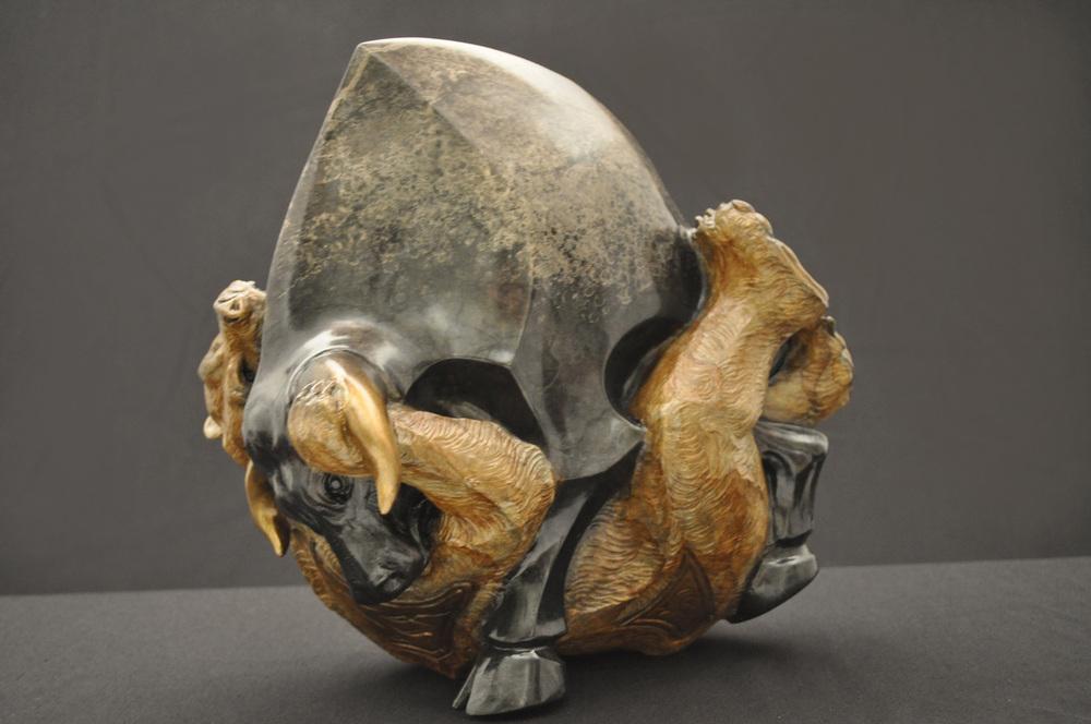 stock-market-bull-bear-bronze-sculpture-john-maisano-6.jpg