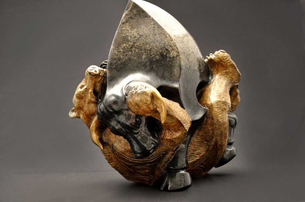 bull-and-bear-sculpture-john-maisano-22-small.jpg