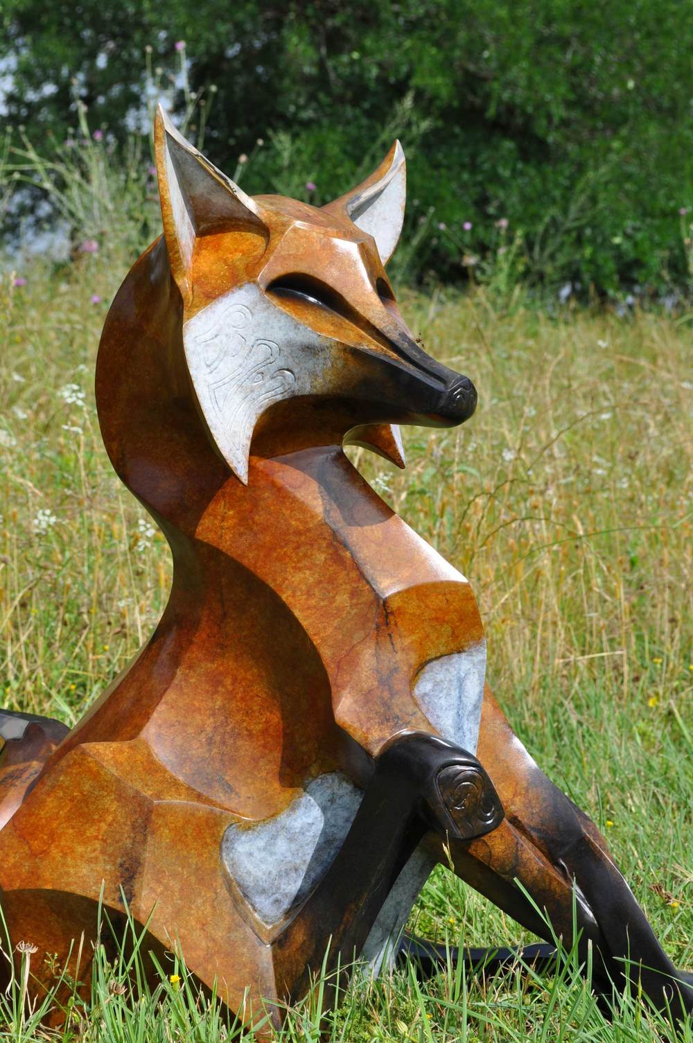Bronze-Fox-Sculpture-Monument-by-John-Maisano---1.jpg
