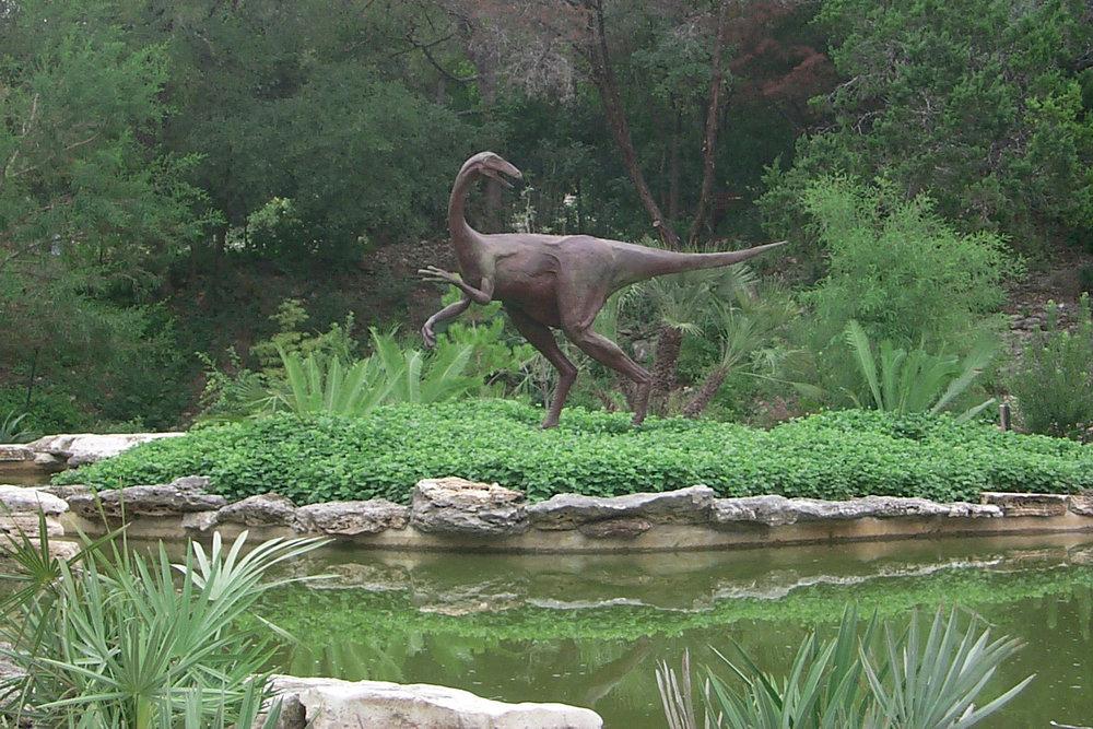bronze-dinosaur-ornithomimid-john-maisano-22.jpg