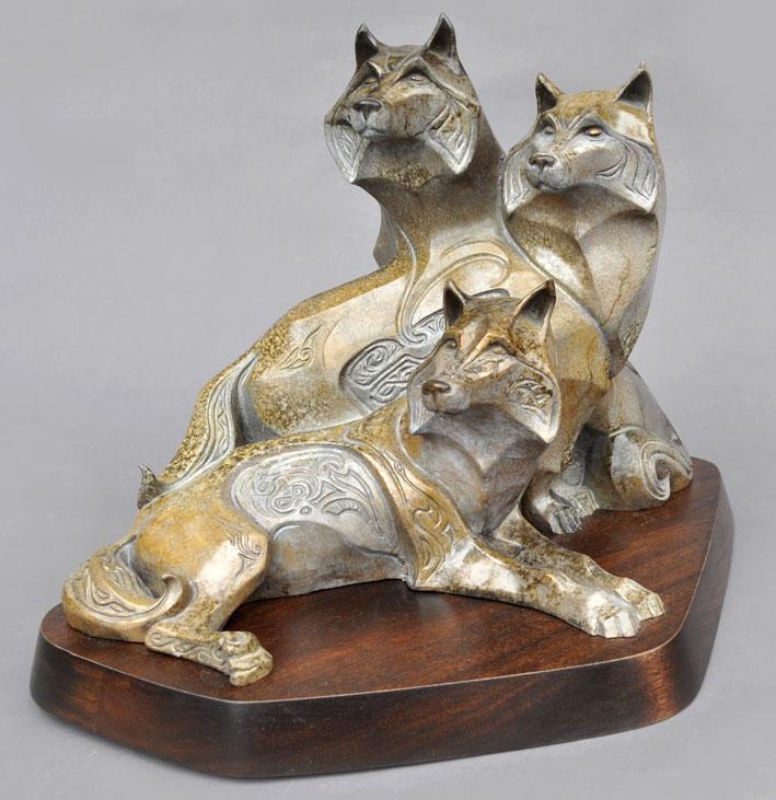 wolf-wolves-bronze-sculpture-john-maisano-folio.jpg