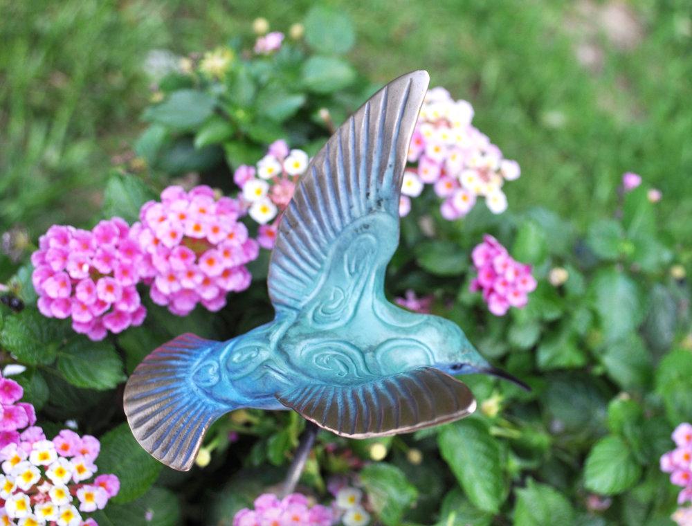 bronze-hummingbird-sculpture-john-maisano-3.jpg