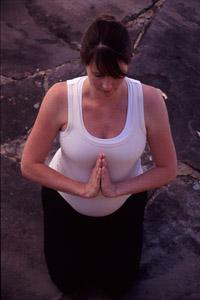 Yoga_Kel_prenatal_kneeling.jpg