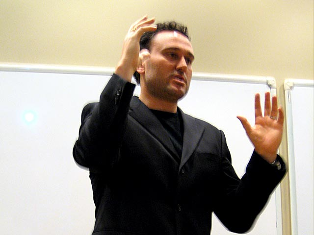 filmmaker_andrew_hunt_teaching_at_WJI_2008_1.jpg
