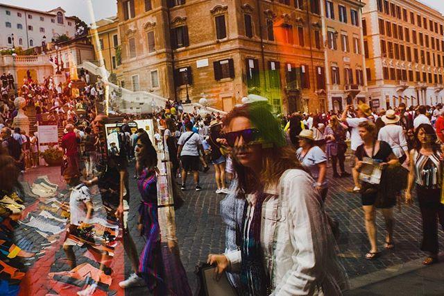 Rome, 2018 . . . #burnmyeye #capturestreets #challengerstreets #myfeatureshoot #leicam10 #lfimagazine #leicathailand #ourstreets #friendsinperson #everybodystreet #streetphotography #life_is_street #streetphotographycommunity