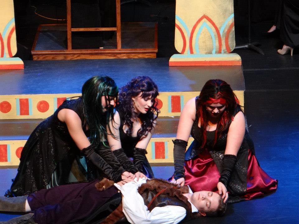 Anne-Opera 2.jpg