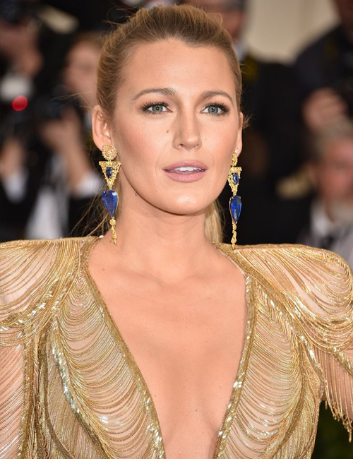Blake Lively  | wearing Versace an Lorraine Schwartz sapphire earrings