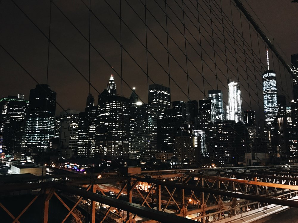 brooklyn-bridge-at-night