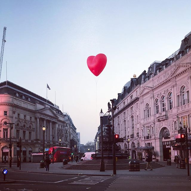 An #anyahindmarch heart and an early start