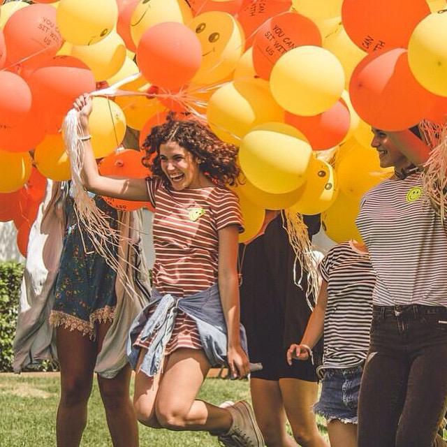 woman fall balloons.JPG