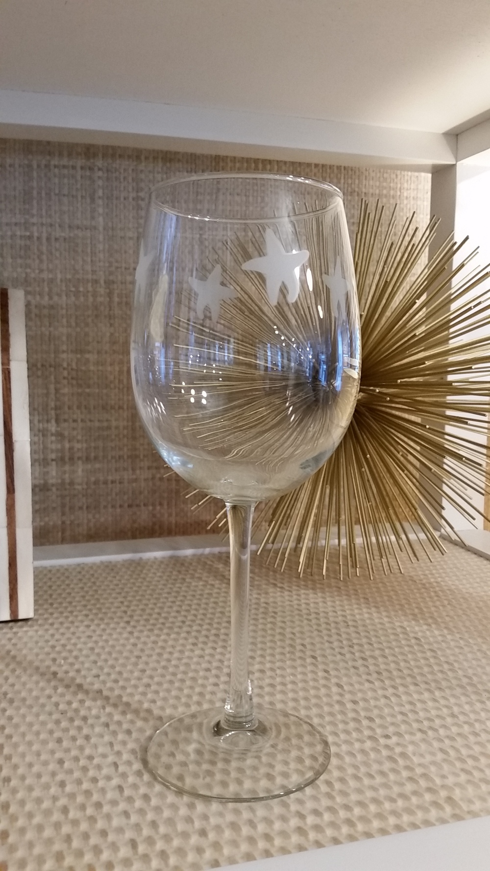 17250 - Large Wine Glass w/Starfish(4) - $15/each   - Received(4)