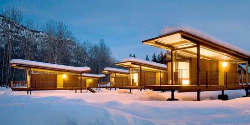 Rolling Huts, exterior