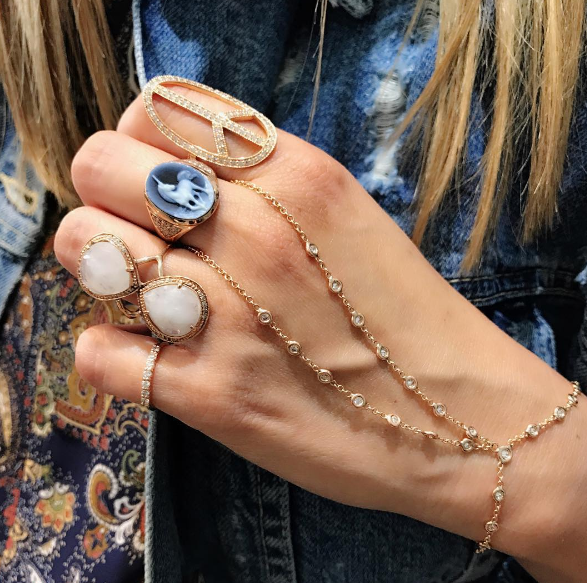 Jacquie Aiche - 7 Diamond Midi Ring Jacquie Aiche - Teardrop Moonstone Infinity Ring Jacquie Aiche - Carved Agate Unicorn Cameo Ring Jacquie Aiche - Peace Sign Diamond Ring Jacquie Aiche - Diamond Double Stem Finger Bracelet