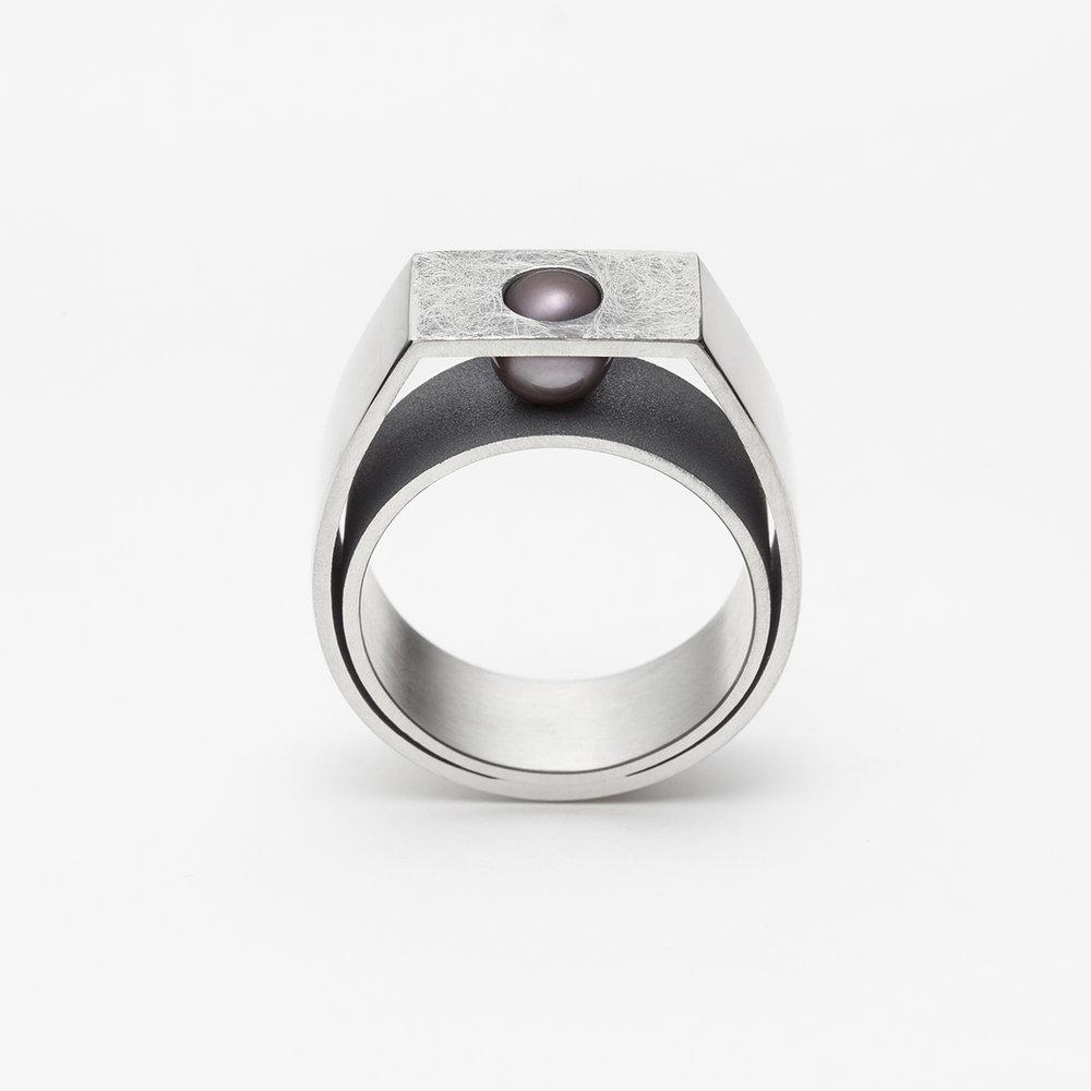 Josieve ring.jpg