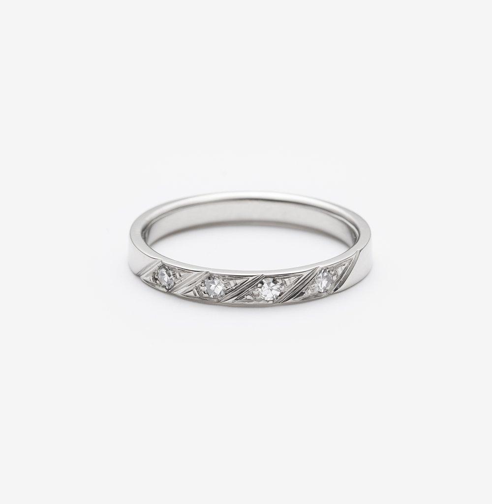 Hillary wedding ring.jpg