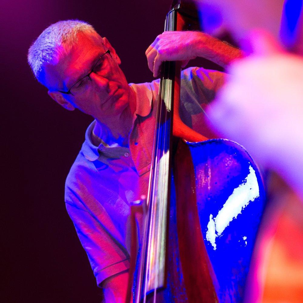 Kevin Piekarski - Bass