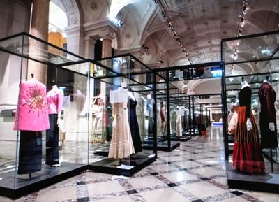 Pink cape by Christian De La Croix, Dior gowns