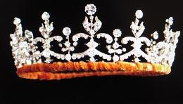 Qu EII girls tiara260p.JPG