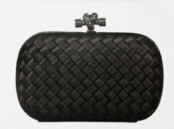 a classic model of the Intrecciato clutch