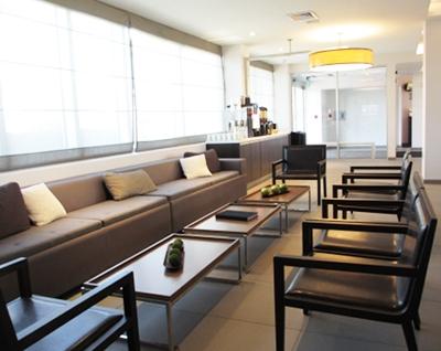 Elemts H. lounge coffee.JPG