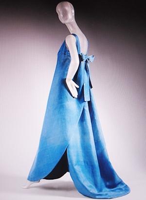 blu drape 300p gwn.JPG