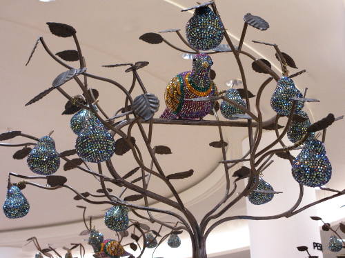 The golden blue partridge in the tree at Saks El Paseo.  It's Christmas soon.