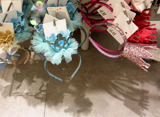 choose your tiara, blue or pink, just as nice.