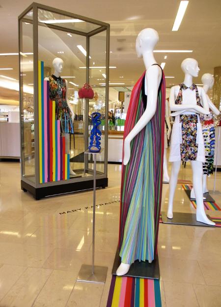 Open pleats  Yas dress