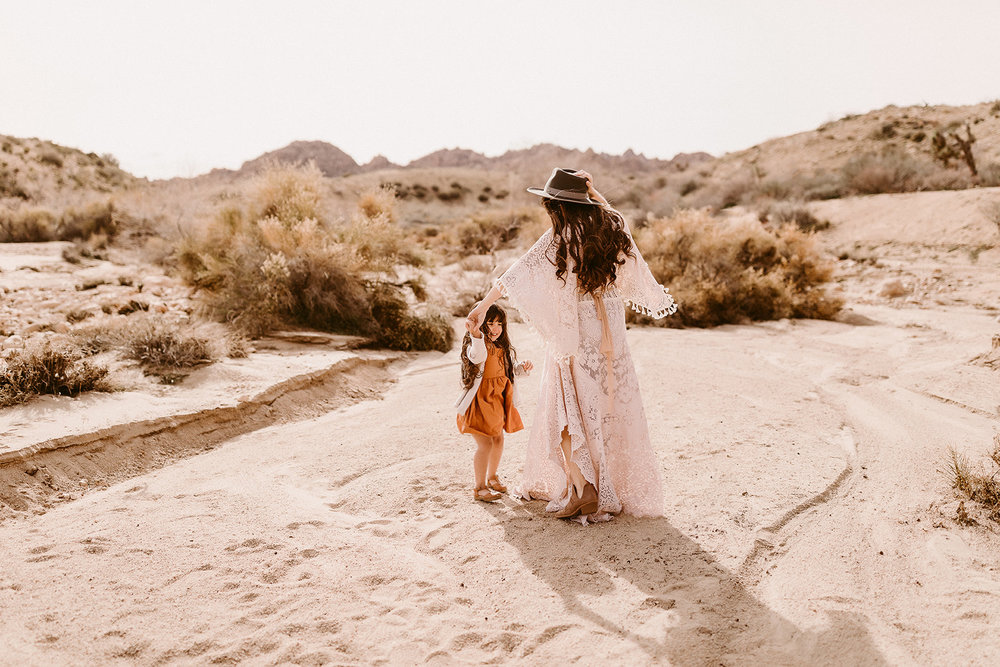 Mommy and Me_Joshua Tree_2019_0146.jpg