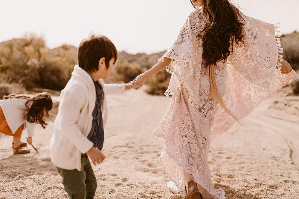 Mommy and Me_Joshua Tree_2019_0164.jpg