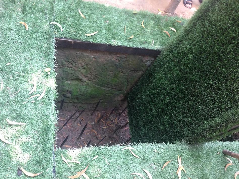 Rotating Floor trap