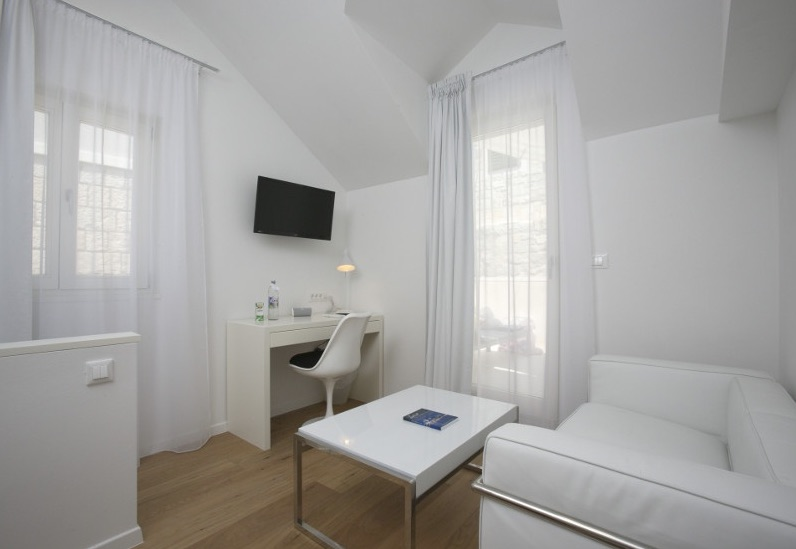 divota-apartment-split
