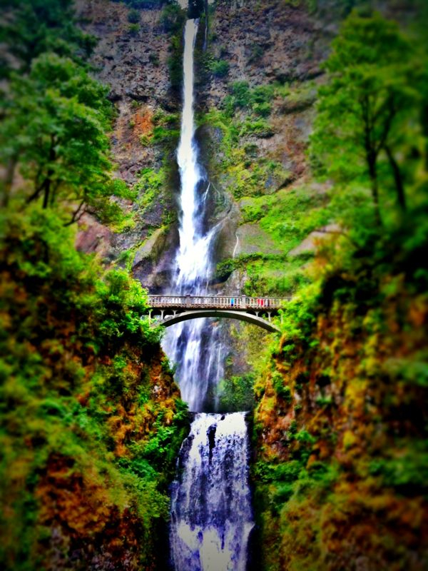 Multnomah Falls. The pink and blue dots on the bridge? Those are people…
